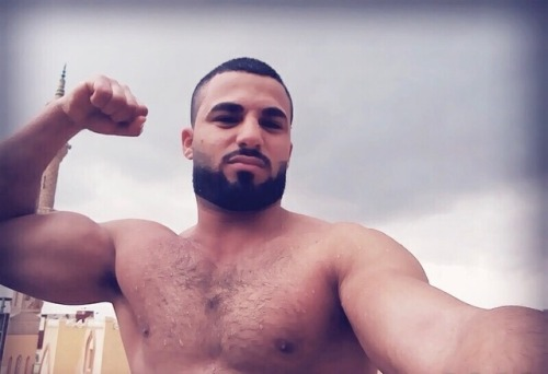 muscle gay sexe gay arabe poilu
